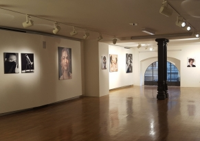 Smart Eventi organized a personal exhibition for the photographer Emilio Tini.