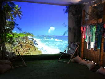 Smart Eventi chose the venue to launch the new beachwear collection BKini Milano Marittima recreating the atmophere of a Caribbean beach