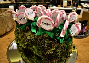 Smart Eventi organized the event for the anniversary of Aveda's store opening in Brera district.