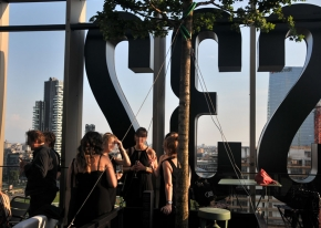 We found the location and designed the entire event for the Oribe new products' launch on a beautiful skyscraper in Isola district in Milan.